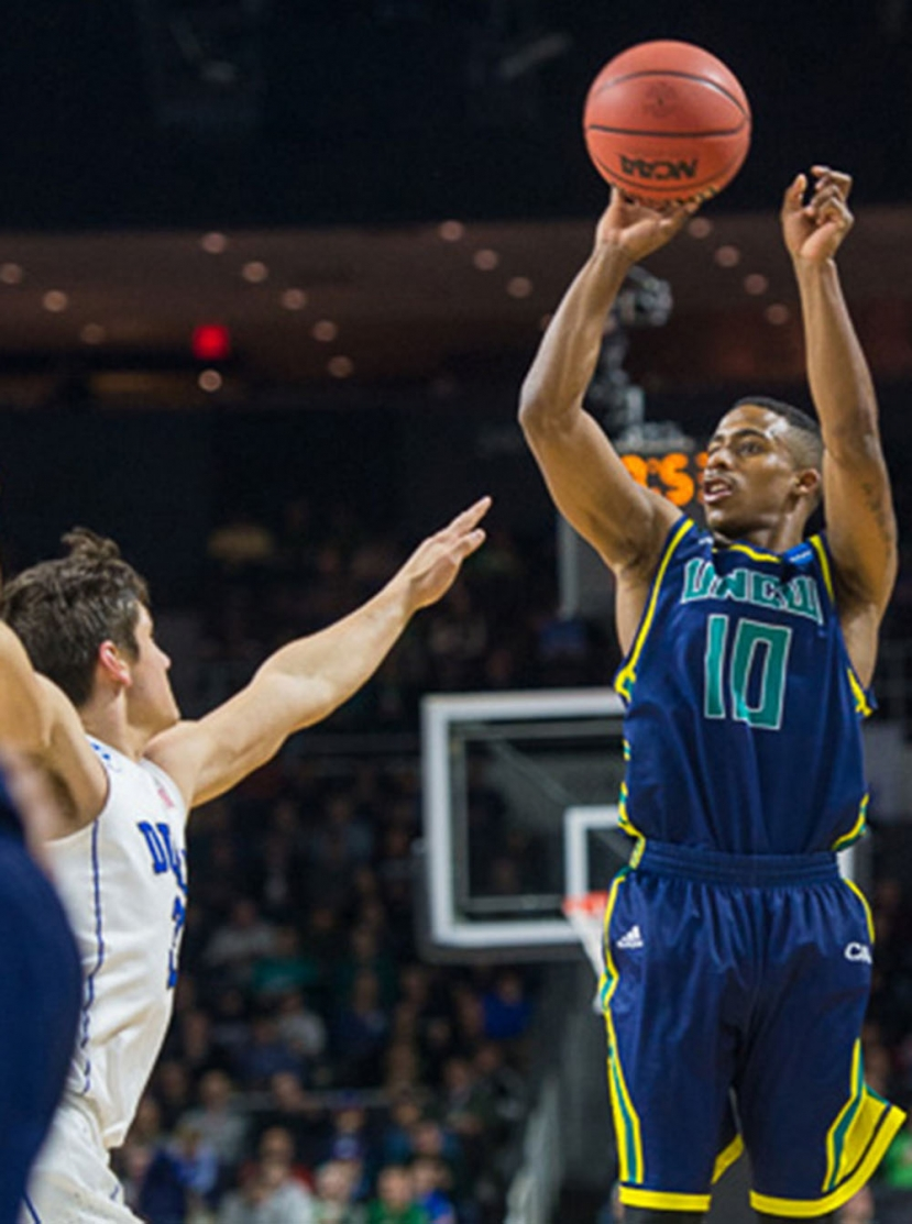 Duke Outlasts UNCW in First Round of NCAA Tournament