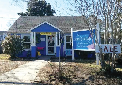 Spotlight On Business: Summer Savings at the Island Cottage