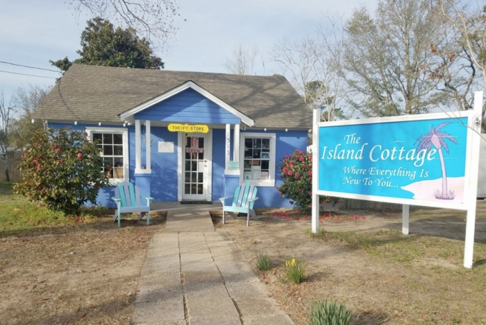 The Island Cottage: Where Everything is New to You
